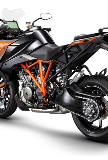 245723_1290 SuperDuke GT MY19 Black Rear-Left