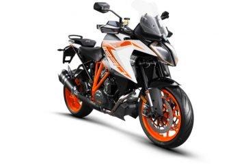 245731_1290 SuperDuke GT MY19 Orange Front-Right