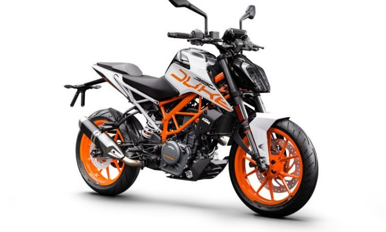 170592_KTM 390 DUKE ABS Front Right MY 2017 (1)