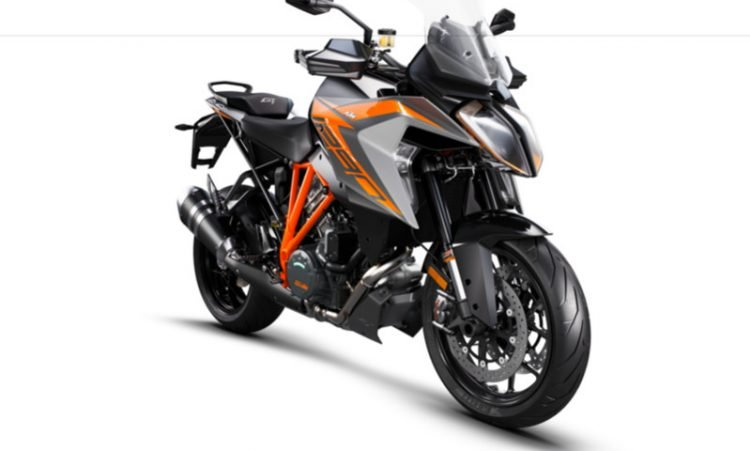 245722_1290 SuperDuke GT MY19 Black Front-Right