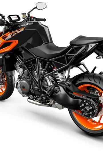 245750_1290 SuperDuke R MY19 Black-Orange Rear-Left