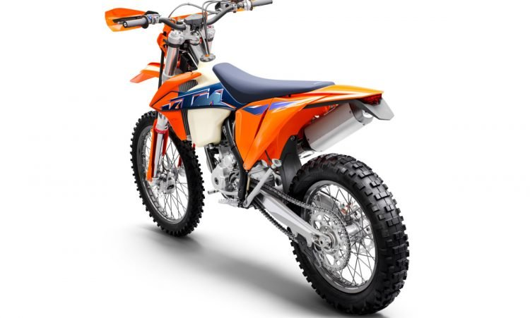 378292_350 EXC-F MY22 Rear-Left