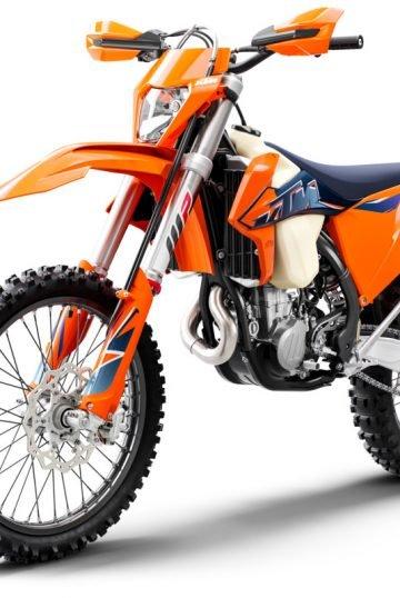 378313_500 XCF-W MY22 Front-Left