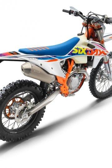 386928_450 EXC-F Six Days_rear ri_MY22