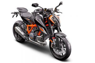 365272_MY21_ KTM 1290 SUPER DUKE R_ Black